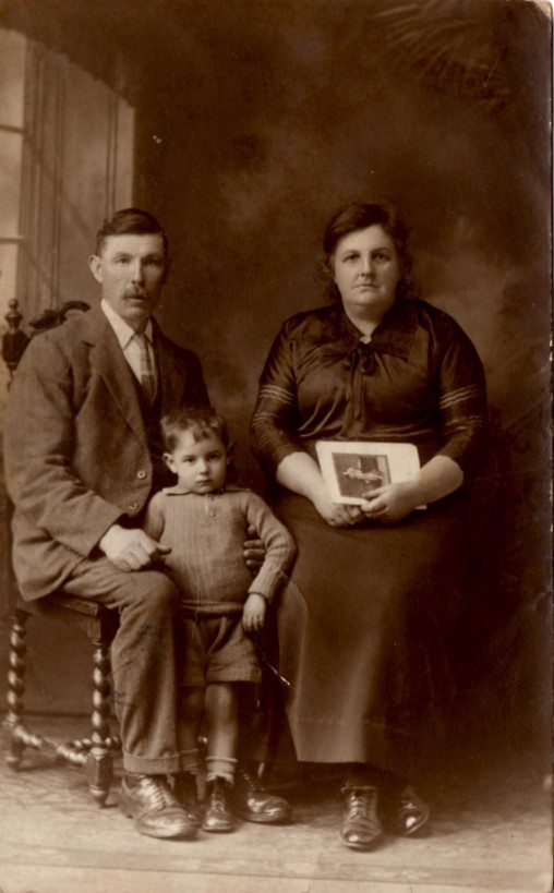 Henry and Mary Ann Hunter (nee Wright) and one of their sons