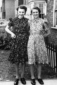 Thelma Baxter and her mother Alice.