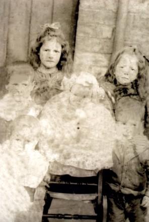 William Hunter and 5 of his siblings