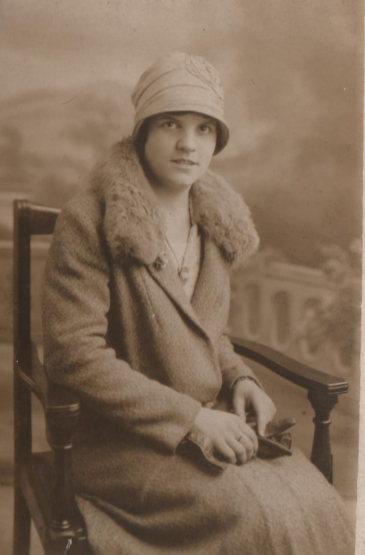 amy-hunter-taken-28-sep-1925-by-jerome-photographer-e1548973541821.jpg